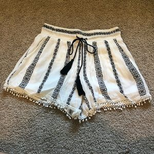Romeo & Juliet Couture Patterned Shorts